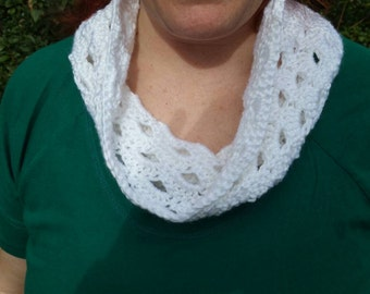 Shelled cowl scarf