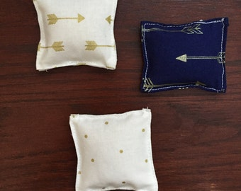 Arrow and Polka Dot Winter Hand Warmers- 3 pairs included