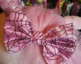 Spidey bow  (pink)