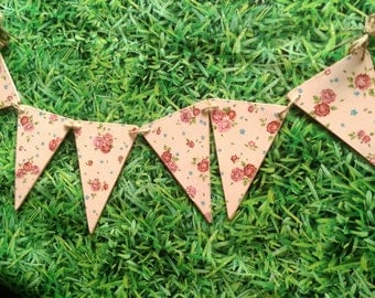 Outdoor chic garden bunting