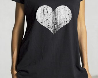 Black Short Sleeve Gringe Heart Print T-shirt / Hand Screen with water based ink by PM by Aakasha 0331 AA22400