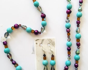 Jewelry Set: Necklace, bracelet and earings in turqoise and purple