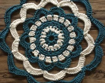Medium sized cotton Mandala / Doillie