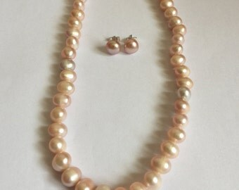 Original beige pearl necklace and earring
