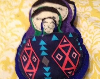 Set of 5 Nesting dolls/Matroskas