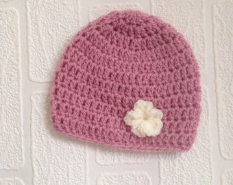 Crocheted baby girls hat 0-3months ready to dispatch