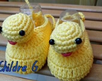 Crochet baby yellow duck booties shoes