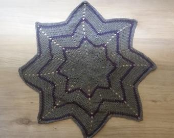 Carpet star to hook