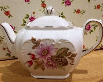 Little Sadler Cube Floral Teapot