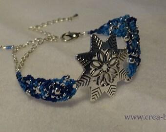 Bracelet woven micro macame around a silver snowflake print