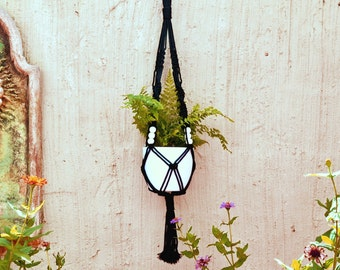 Macrame Black pot plant hanger