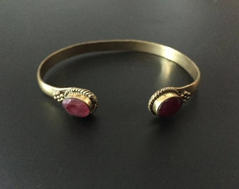 Bracelet ruby stone