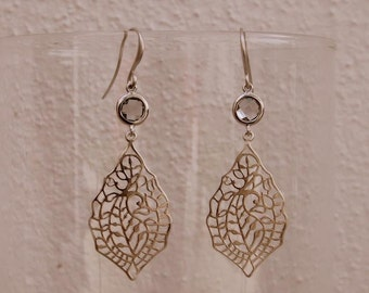 Dangling earrings silver filigree and gray glass round charm