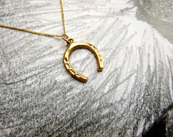 Vintage 9ct gold lucky horseshoe necklace