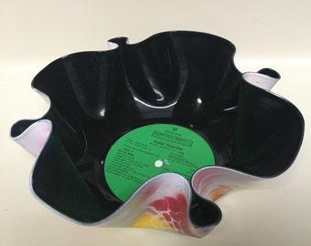 Vinyl Bowl, Upcycled vinyl record, Rasta White, 24 solid hits
