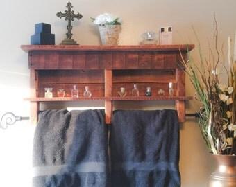 Rustic Pallet Wood Towel Rack with Shelf