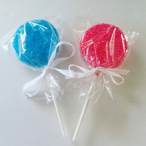 12 Gender Reveal Covered Oreo Pop Treats