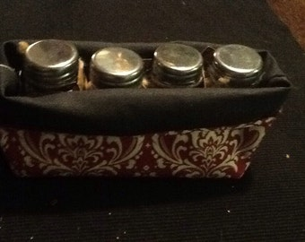 Pouch with 4 glass jars