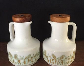 Hornsea England Fleur oil & vinegar jugs 1977