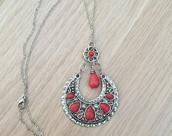 Red necklace, tribal pendant, upcycled jewellery, red jewelry, tribal jewelry, boho necklace, tribal necklace, red jewellery