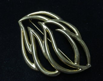 Vintage Monet Brooch, Goldtone, Leaf Like