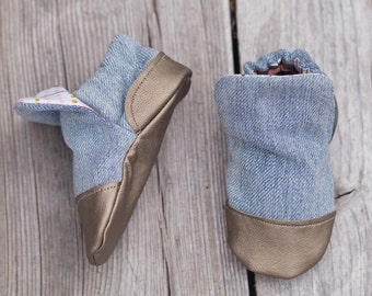 Faded denim and Feather Print Baby Shoe, Soft Sole Baby Shoe, Baby Booties, Non Slip, Handmade,  Baby Moccasins