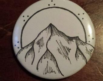 Pin-Back Button; Mountain Design