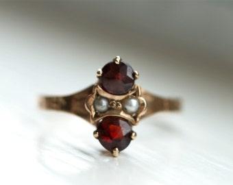 Garnet & seed pearl ring