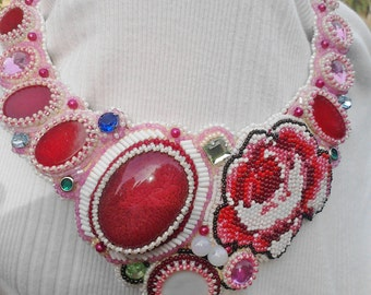 Bead embroidery rose necklase