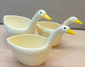 Geese Measuring Cups, Vintage GEESE Measuring Cups Set of 3 Stackable/Nesting By J.S.N.Y.