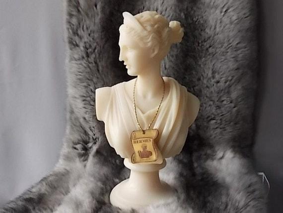 Artemis greek goddess statue home decor beautiful alabaster for Artemis decoration