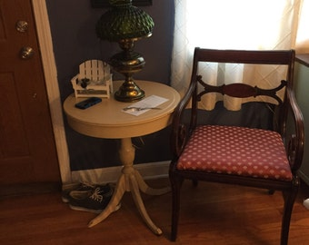 Shabby Chic Vintage Round Table