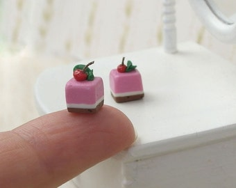 Cherry Pastry - Carefully Crafted Dollhouse Miniature Item Scale 1/12