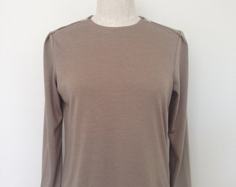 Wool jersey long sleeve top with zippers on shoulder