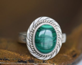 Malachite Green Stone Vintage Silver 925 Ring, US Size 9.0, Used