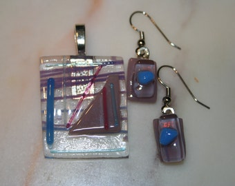 fused-glass geometric jewelry set, pendant with earrings