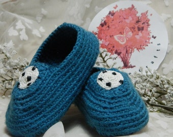 Football Slippers Medium (6 12 months. Heel to toe 11cm approximately) SH7