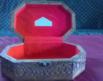 Beauty box of wood/aus holz