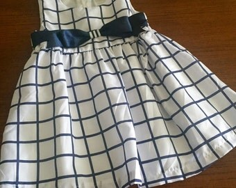 Blue and white dress, size 18/24.