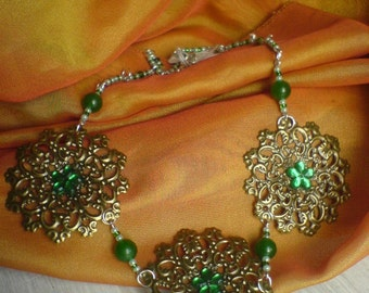 Flower color bronze, glass beads and Jade beads necklace