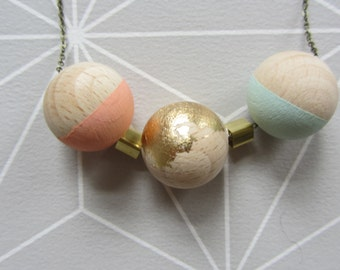 Wooden beads brass link necklace