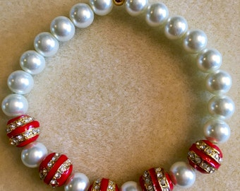 Freshwater Pearl stretchy bracelet with red/gold metal beads