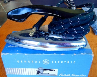 Vintage GE General Electric Travel Iron~ CAT.NO.24F19- with original box