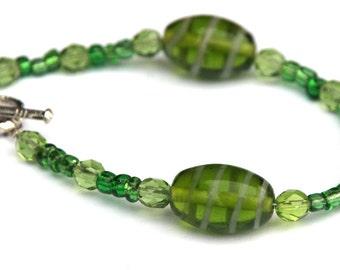 Green beaded bracelet - green jewelry - green beads