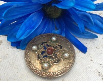 Vintage Goldtone Brooch with faux pearl accent