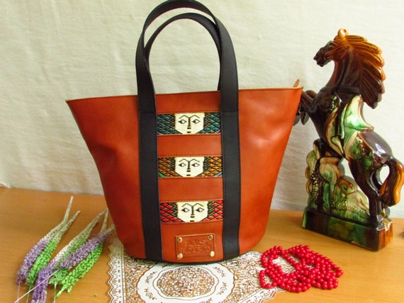 women shopping bag, mini shopping bag, Elegant shopping bag, traditional shopping bag, pull up leather bag, brown leather bag