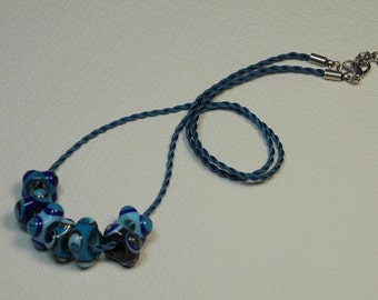 Necklace, ras neck cord of silk Mokuba, blue, with 7 glass square, decorated with points, turquoise, sky, Navy, Garnet beads