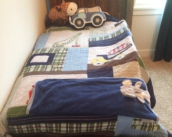Farmhouse Bed with Headboard, Footboard, Siderails and BoxSpring Slats