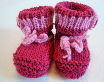 Baby shoes flower