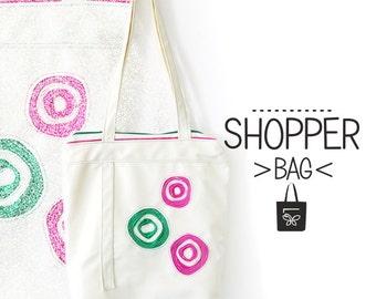 CIRCLE SHOPPER BAG. Shopper bag. Faux leather bag. Daily bag. White bag
